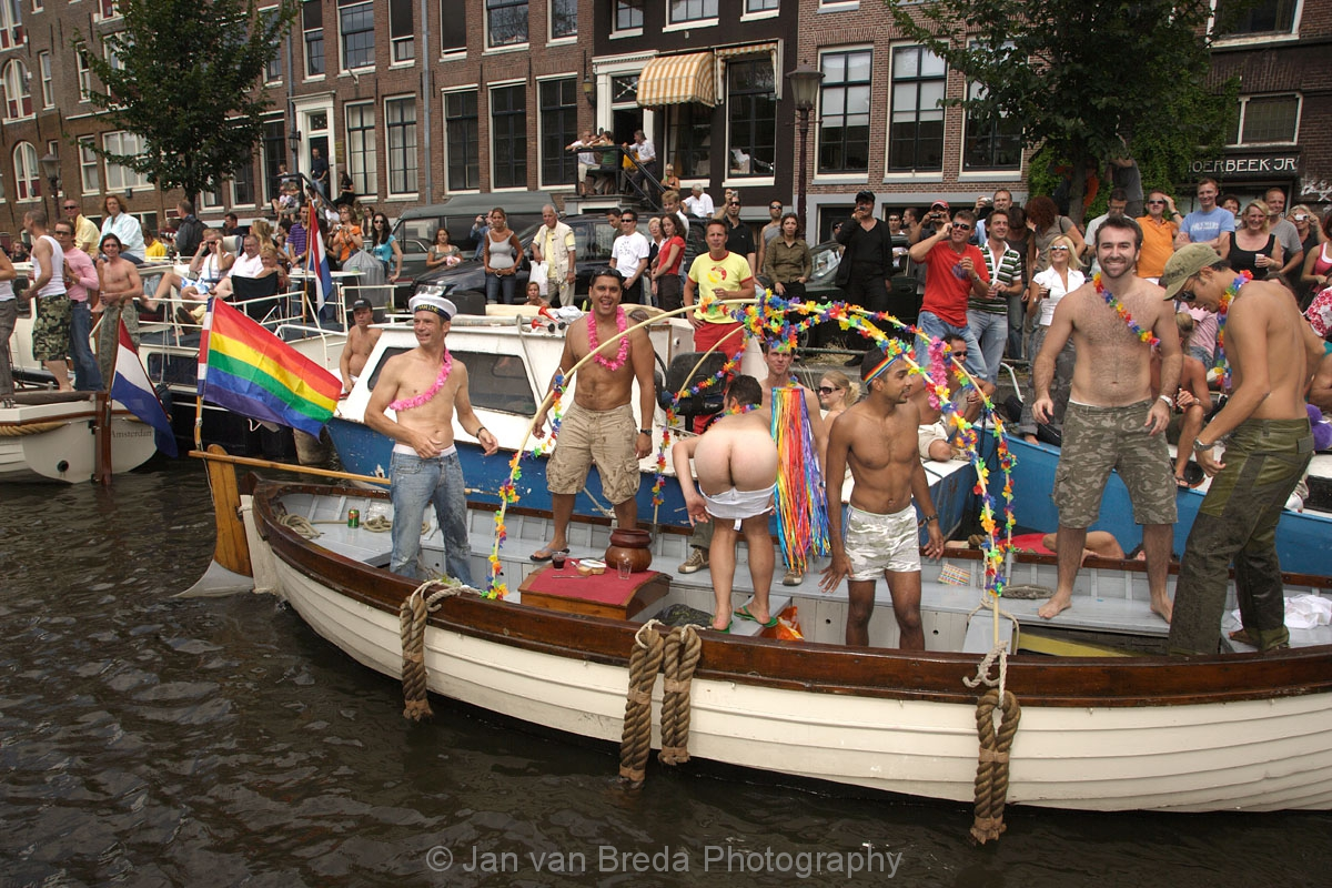 2006 amsterdam gay parade
