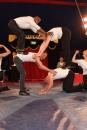 Buurtbewoners en winkeliers doen traditiegetrouw acts in circus