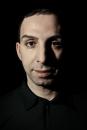 Portret ontwerper Aziz Bekkaoui