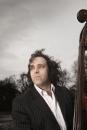 Portret contrabassist / jazzpromotor René van Beeck